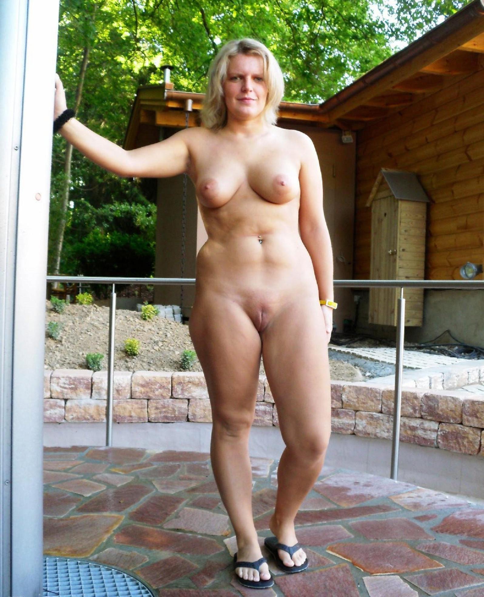 Moms Nude Pics