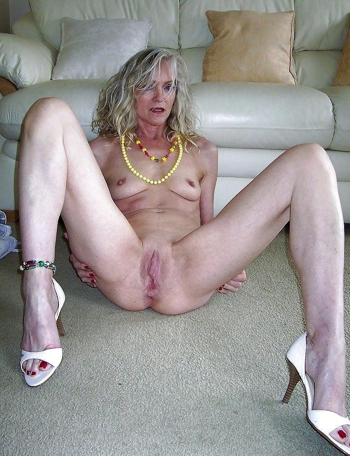 Pussy moms Mom XXX